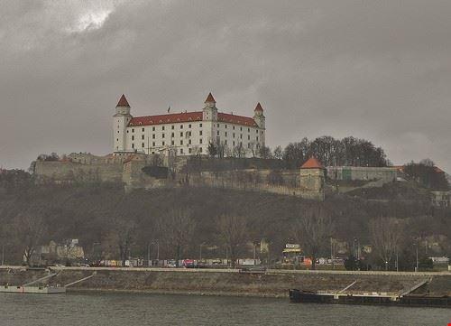 82436  castello di bratislava