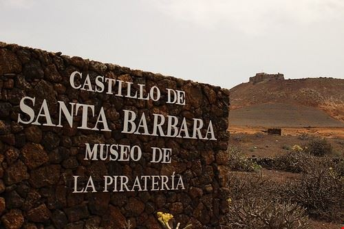 castello di santa barbara