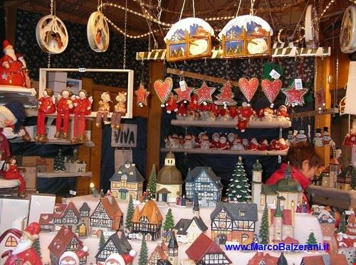 83054  mercatino natalizio