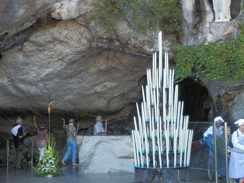 83153  grotta di massabielle
