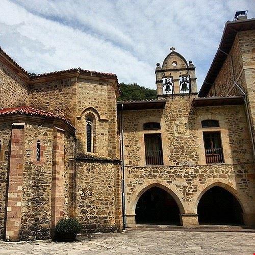 83387  monasterio de santo toribio de liebana