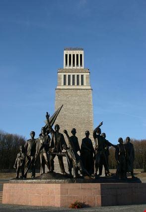 weimar monumento alla memoria di buchenwald