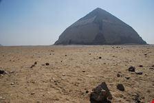 il cairo la piramide romboidale di snefru a dashur