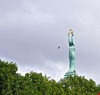 84276  monumento alla liberta