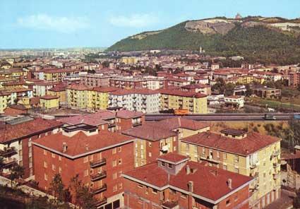 Foto panoramica del paese e sullo sfondo la basilica di s for Hotel a casalecchio di reno