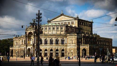 84947  teatro dell opera