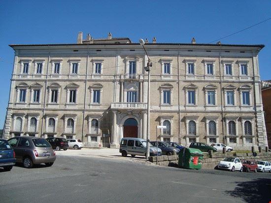 85217 genzano di roma palazzo sforza