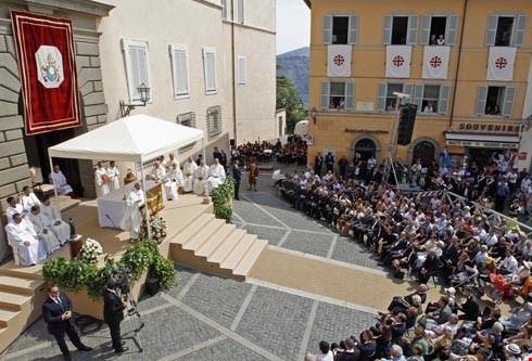 85225  palazzo papale