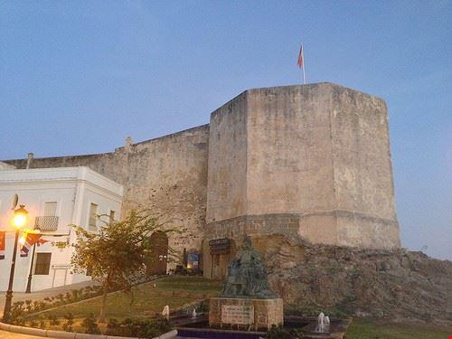 85690  castillo de guzman