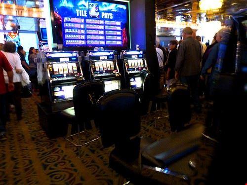 85906  casino