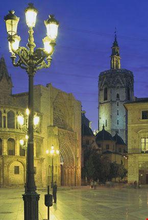 8614 valencia piazza plaza de la virgen di notte