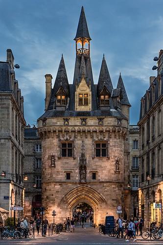 Foto porte cailhau a bordeaux 333x500 autore redazione for Porte cailhau