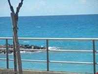 Il mare dietro