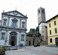 chiesa adro