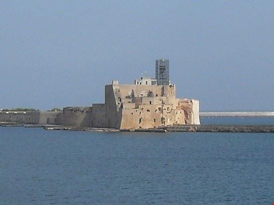 castello alfonsino brindisi