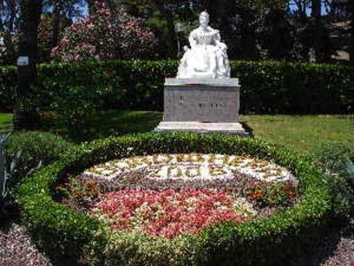 88648 bordighera statua regina margherita bordighera