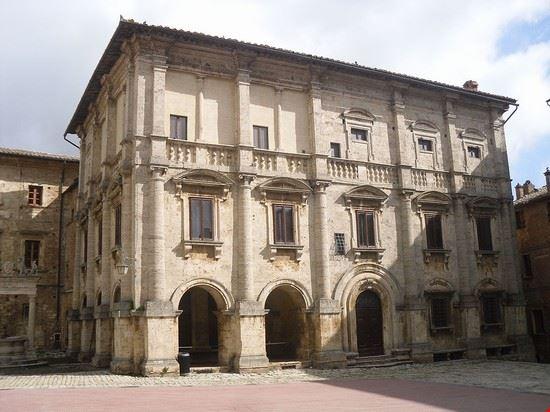 palazzo nobili tarugi montepulciano
