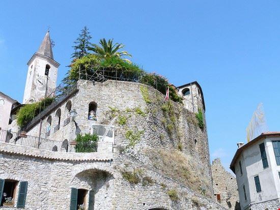 castello lucertola apricale 1