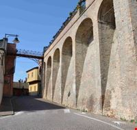 Le mura a sud del castello.