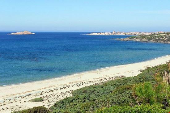 isola rossa spiaggia li feruli