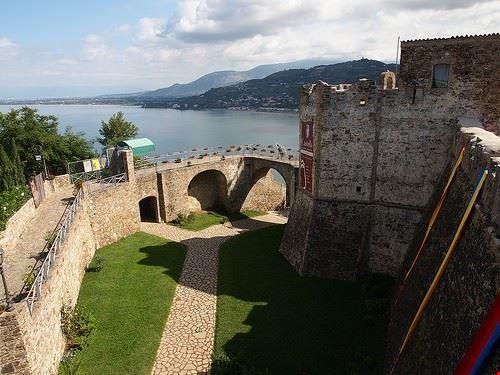 castello angioino