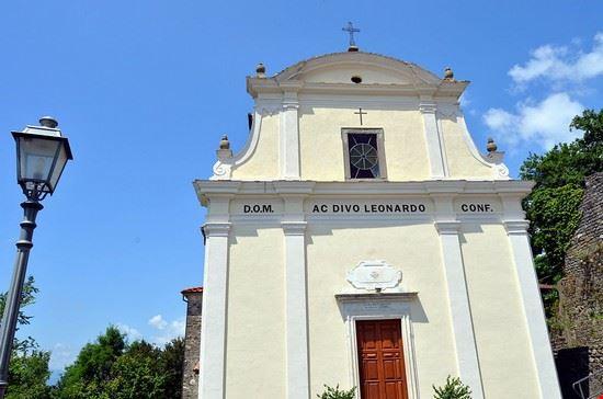 chiesa san leonardo bagnone (castiglione del terziere)