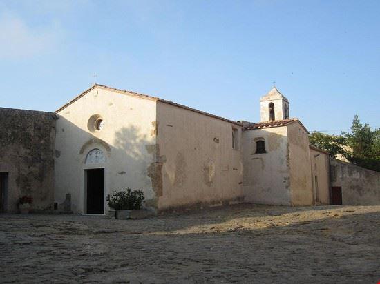 90107 populonia chiesa di santa croce
