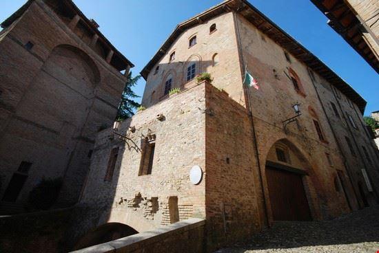 90456 castell  arquato palazzo del duca castell  arquato