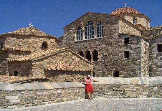 basilica madonna katapoliani 1