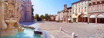 piazza del popolo e fontana masini