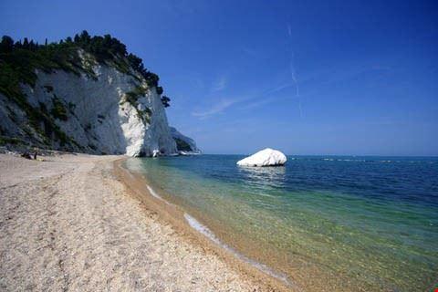 spiaggia dei frati sirolo