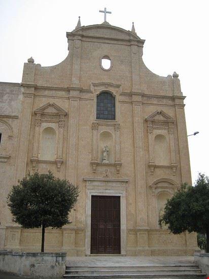 chiesa san francesco da paola monopoli