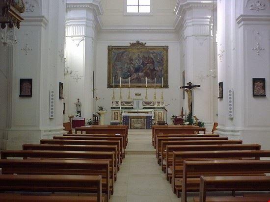 chiesa santa teresa monopoli