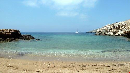 spiaggia di koumbara