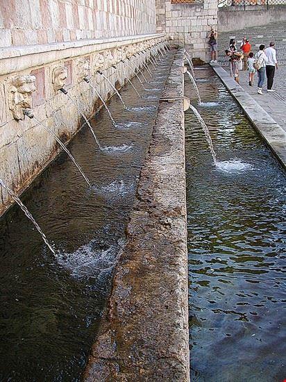 l  aquila l  aquila fontana delle 99 cannelle