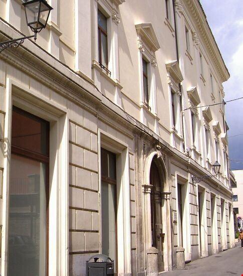 94011 teramo palazzo delfico sede della biblioteca provle melchiorre delfico