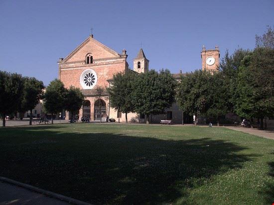 Abbazia cistercense di Santa Maria in Castagnola, XII secolo, Chiaravalle (AN)