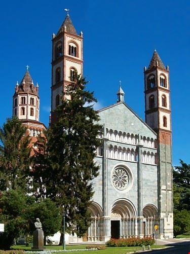 basilica sant'andrea vercelli