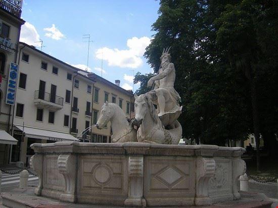 94804 conegliano fontana del nettuno