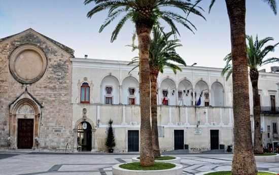 municipio e chiesa san domenicop