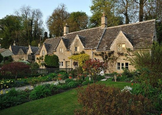 bibury cottages