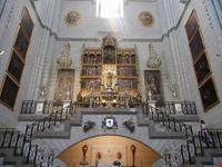 madrid - cattedrale, altare vergine de la almudena