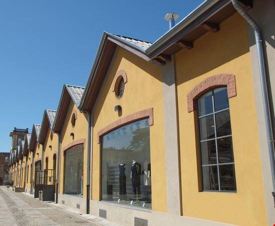 villaggio leumann 2