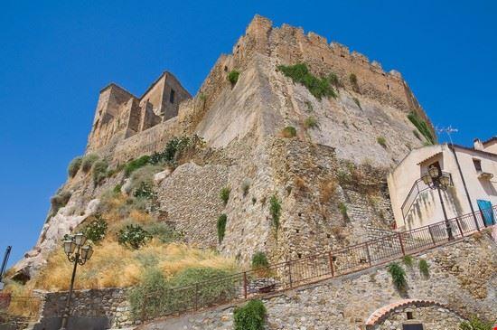 Rocca Imperiale 2