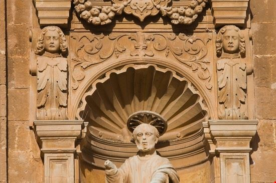 Galatone statua