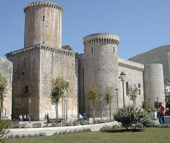 castello baronale di fondi