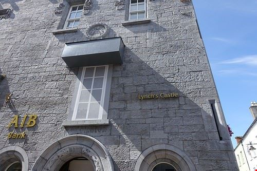 96860  lynchs castle