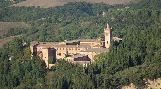 97664 buonconvento abbazia monte oliveto maggiore