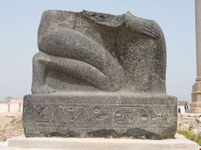 alexandria frammento di statua