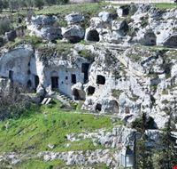 "Habitat rupestre  ""Le 7 Camere"""